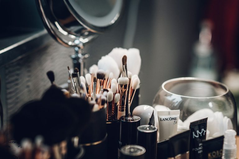 MAQUILLAJE IDEAL PARA  INVITADA DE BODA